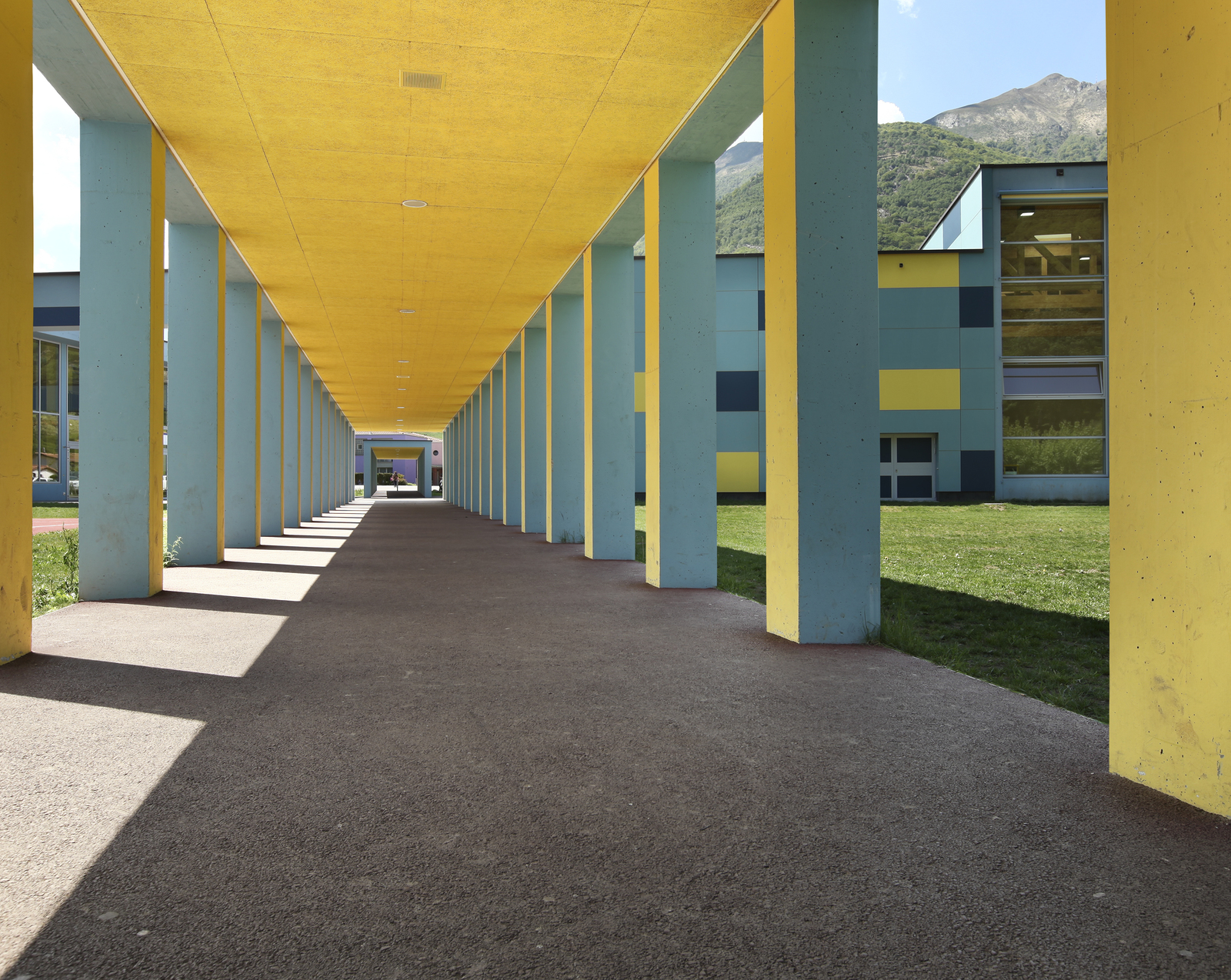 Side By Side Breakdown of Five Concrete Overlay Systems for Concrete Refinishing by Santa Fe Concrete 505-471-1900 g
